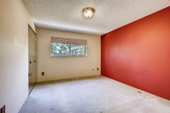 12985 W 20th Ave Golden CO-small-017-14-2nd Floor Bedroom-666x444-72dpi.jpg