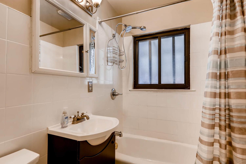 2331 Pontiac St Denver CO-large-014-8-Master Bathroom-1500x1000-72dpi.jpg