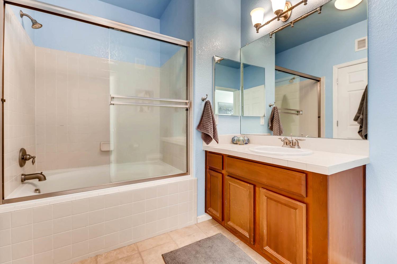 9907 MLK Jr Blvd Unit 104-large-020-29-Master Bathroom-1500x1000-72dpi.jpg