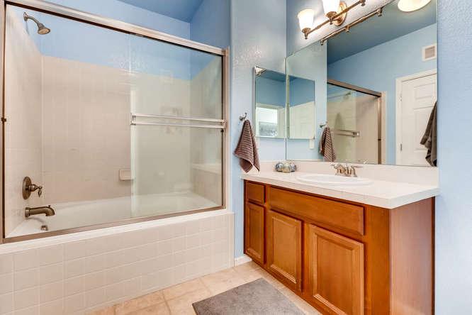 9907 MLK Jr Blvd Unit 104-small-020-29-Master Bathroom-666x444-72dpi.jpg
