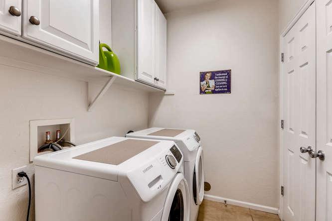 9907 MLK Jr Blvd Unit 104-small-026-31-Laundry Room-666x444-72dpi.jpg