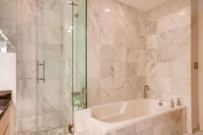 20 S Monroe St Denver CO 80209-small-026-56-2nd Floor Master Bathroom-666x444-72dpi.jpg