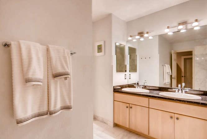 20 S Monroe St Denver CO 80209-small-027-53-2nd Floor Master Bathroom-666x447-72dpi.jpg