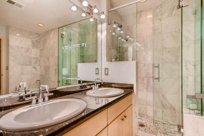 20 S Monroe St Denver CO 80209-small-033-57-2nd Floor Master Bathroom-666x444-72dpi.jpg