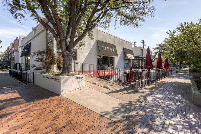 20 S Monroe St Denver CO 80209-small-057-4-Vinue Food and Wine Bar-666x444-72dpi.jpg