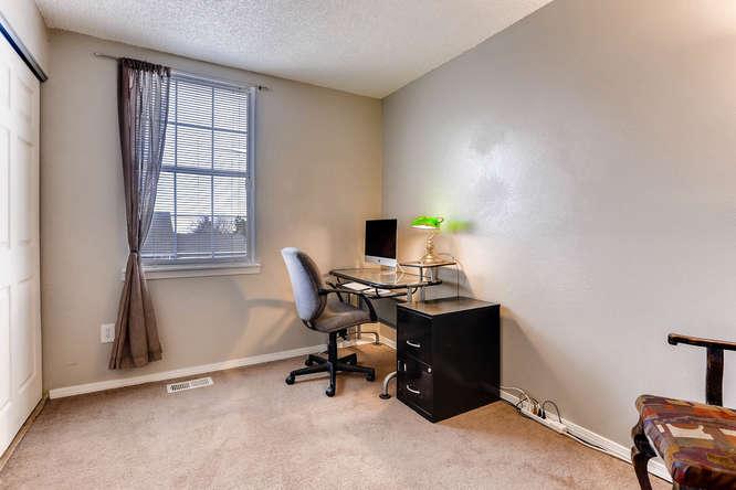4284 S Fundy Way Aurora CO-small-016-1-2nd Floor Bedroom-666x444-72dpi.jpg
