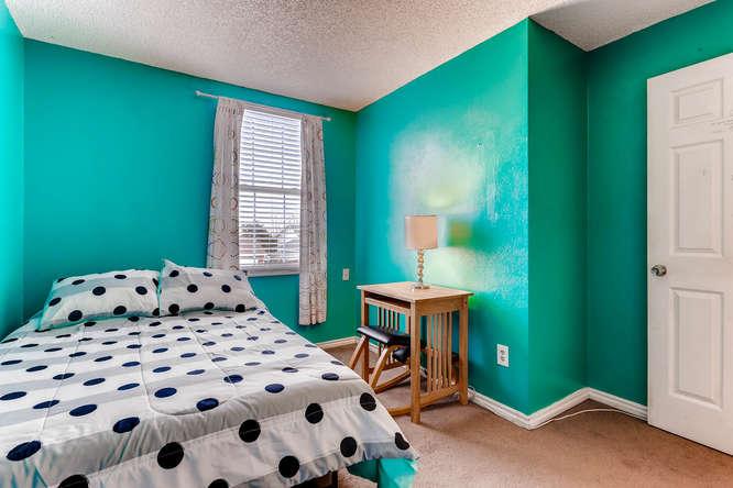 4284 S Fundy Way Aurora CO-small-017-7-2nd Floor Bedroom-666x444-72dpi.jpg
