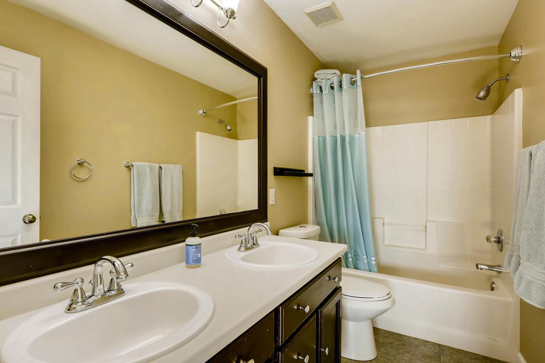 10802 Steele St Northglenn CO-large-018-8-2nd Floor Master Bathroom-1500x1000-72dpi.jpg