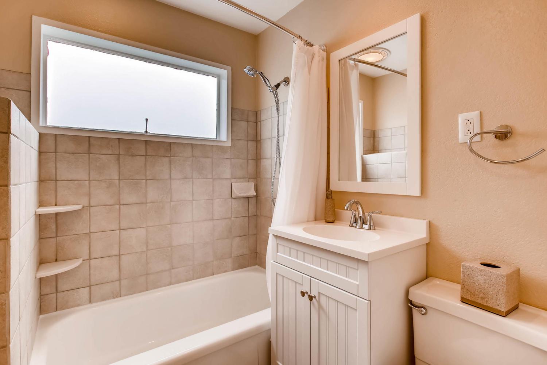 1430 S Jersey Way Denver CO-large-016-19-Master Bathroom-1500x1000-72dpi.jpg