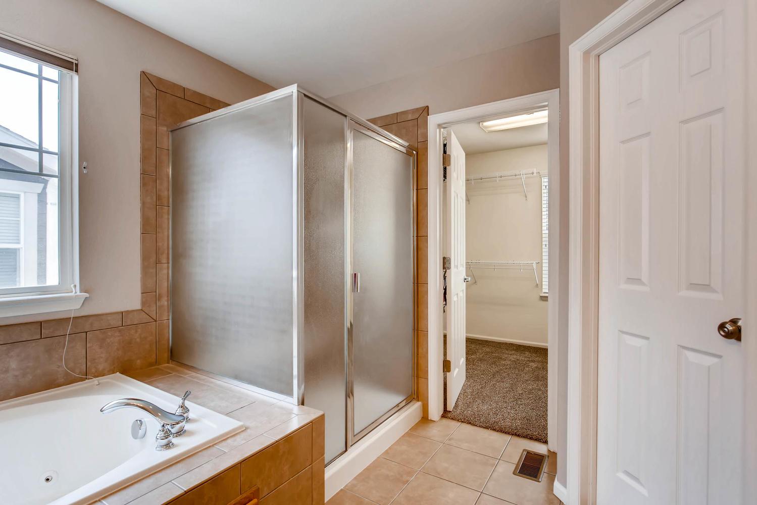 24768 E Florida Ave Aurora CO-large-017-11-2nd Floor Master Bathroom-1500x1000-72dpi.jpg
