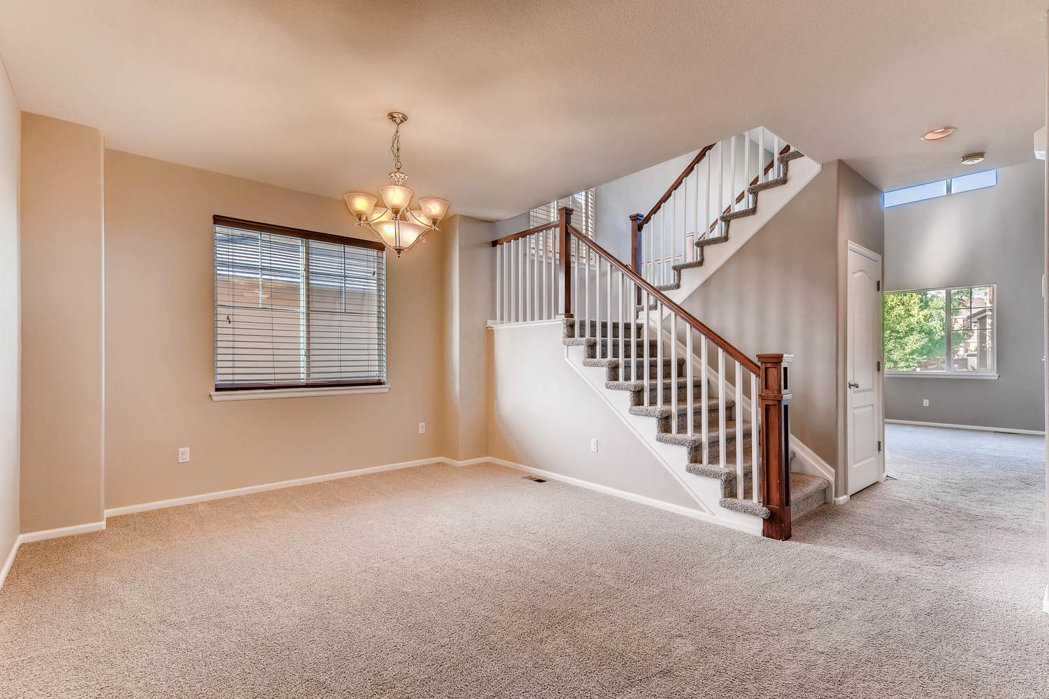 10186 Pitkin Way Commerce City-large-007-12-Dining Room-1500x1000-72dpi.jpg