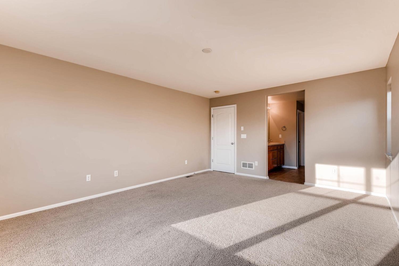 10186 Pitkin Way Commerce City-large-017-6-2nd Floor Master Bedroom-1500x1000-72dpi.jpg
