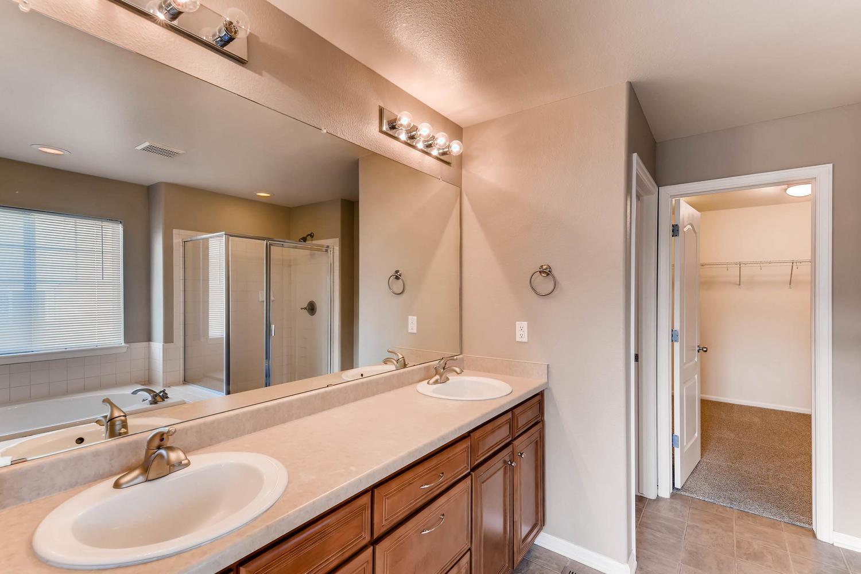 10186 Pitkin Way Commerce City-large-018-10-2nd Floor Master Bathroom-1500x1000-72dpi.jpg