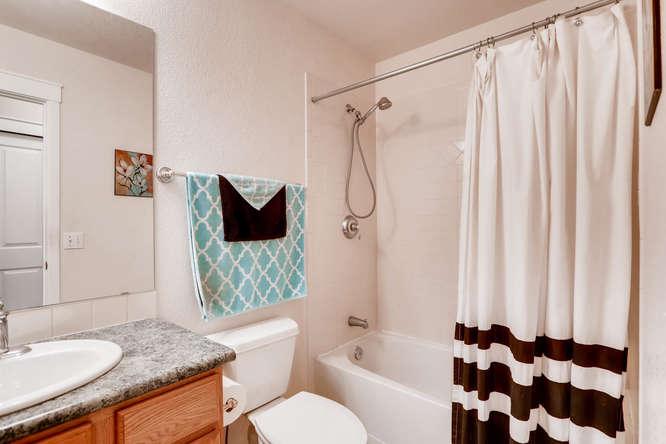 1674 Ames Ct Unit 25 Lone Tree-small-013-20-Bathroom-666x444-72dpi.jpg