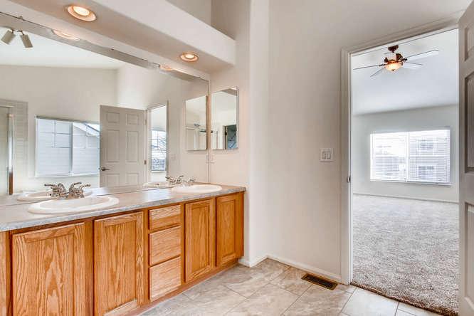 24646 E Florida Ave Aurora CO-small-018-22-2nd Floor Master Bathroom-666x444-72dpi.jpg