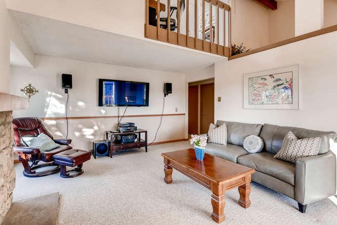 4062 S Atchison Unit 304-small-003-20-Living Room-666x444-72dpi.jpg