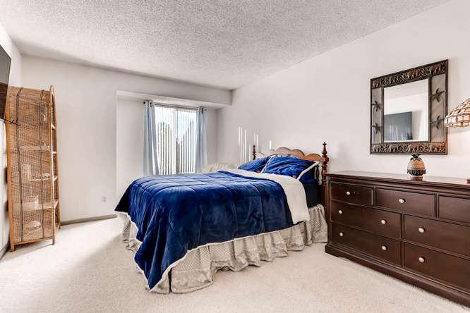 4062 S Atchison Unit 304-small-006-17-Master Bedroom-666x444-72dpi.jpg