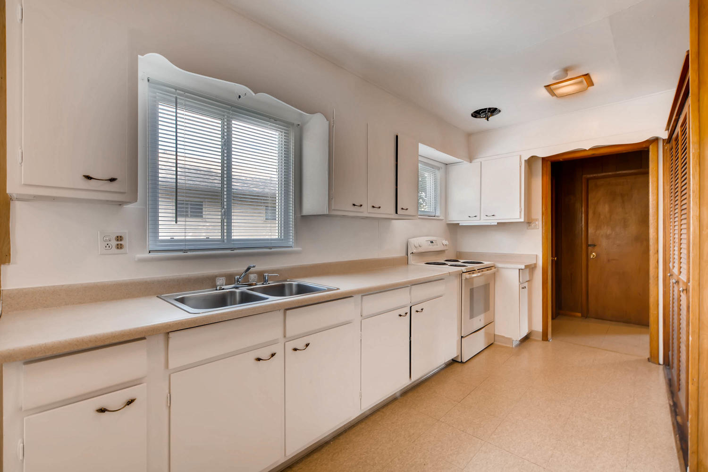 511 S Xavier St Denver CO-large-011-17-Kitchen-1500x1000-72dpi.jpg