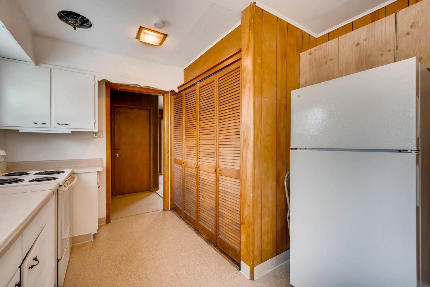 511 S Xavier St Denver CO-large-012-9-Kitchen-1500x1000-72dpi.jpg