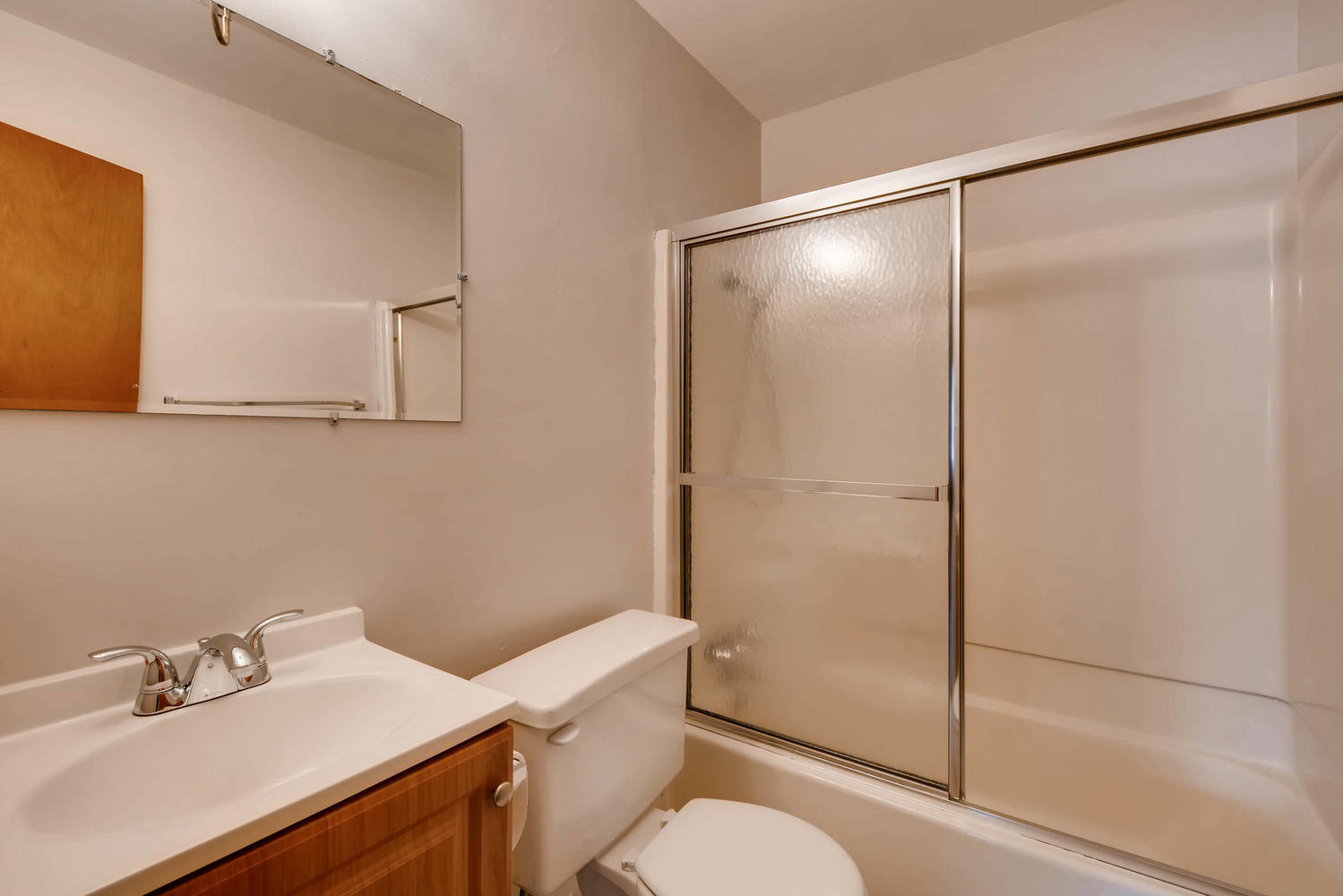 511 S Xavier St Denver CO-large-019-18-Master Bathroom-1499x1000-72dpi.jpg
