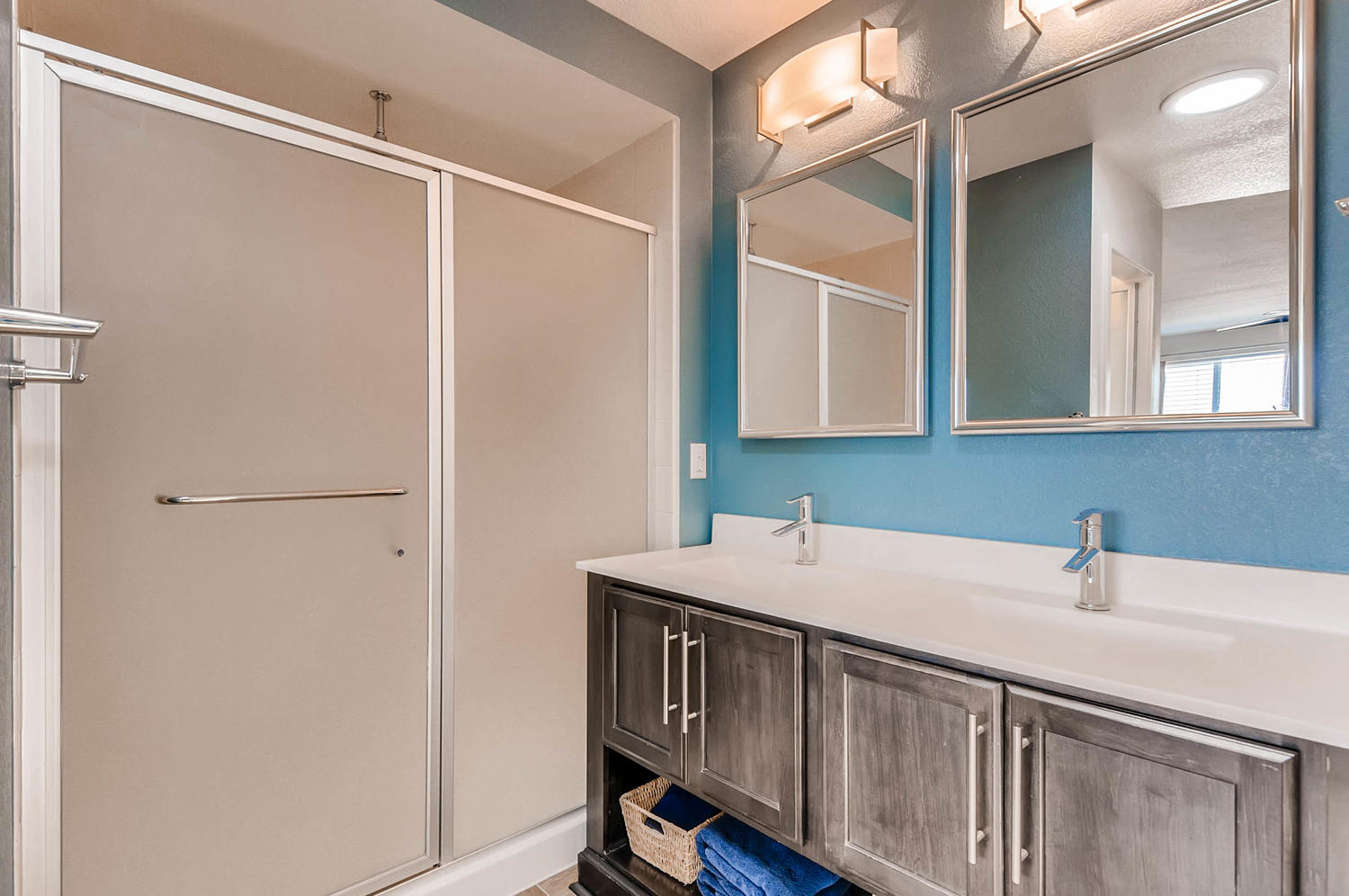 10101 Truckee St Commerce City-large-017-19-2nd Floor Master Bathroom-1500x997-72dpi.jpg