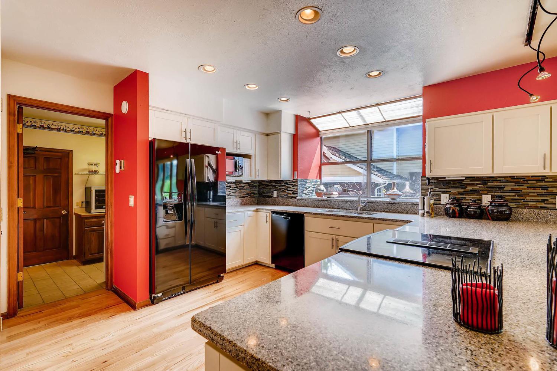 15214 W 73rd Ave Arvada CO-large-007-14-Kitchen-1500x1000-72dpi.jpg