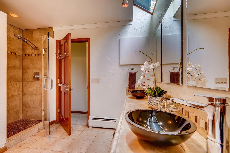 15214 W 73rd Ave Arvada CO-large-016-18-Master Bathroom-1500x1000-72dpi.jpg