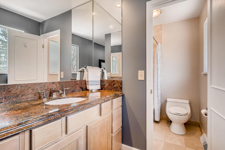5439 S Morning Glory Lane-large-014-13-2nd Floor Master Bathroom-1500x1000-72dpi.jpg