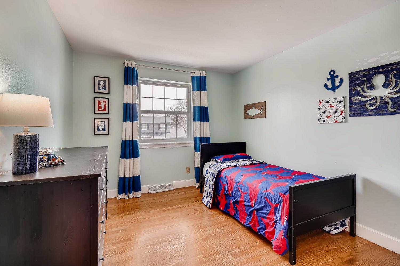 5439 S Morning Glory Lane-large-015-12-2nd Floor Bedroom-1500x1000-72dpi.jpg