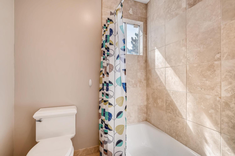 5439 S Morning Glory Lane-large-016-21-2nd Floor Bathroom-1500x1000-72dpi.jpg