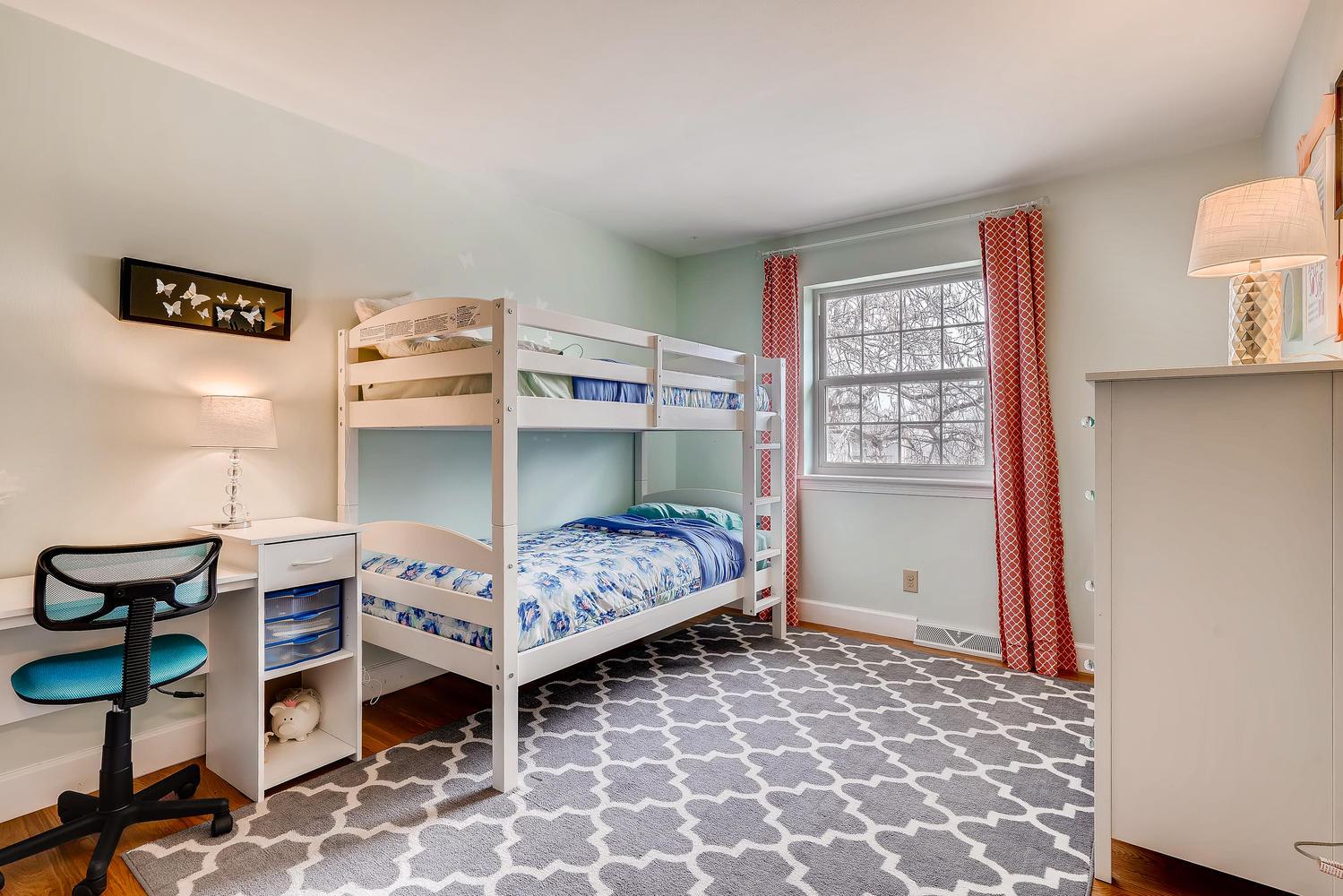 5439 S Morning Glory Lane-large-019-27-2nd Floor Bedroom-1500x1000-72dpi.jpg
