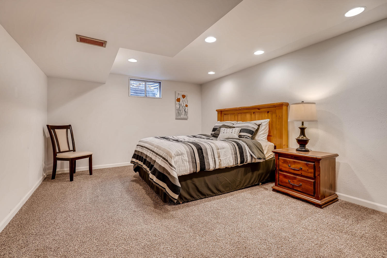 5439 S Morning Glory Lane-large-021-17-Lower Level Bedroom-1500x1000-72dpi.jpg