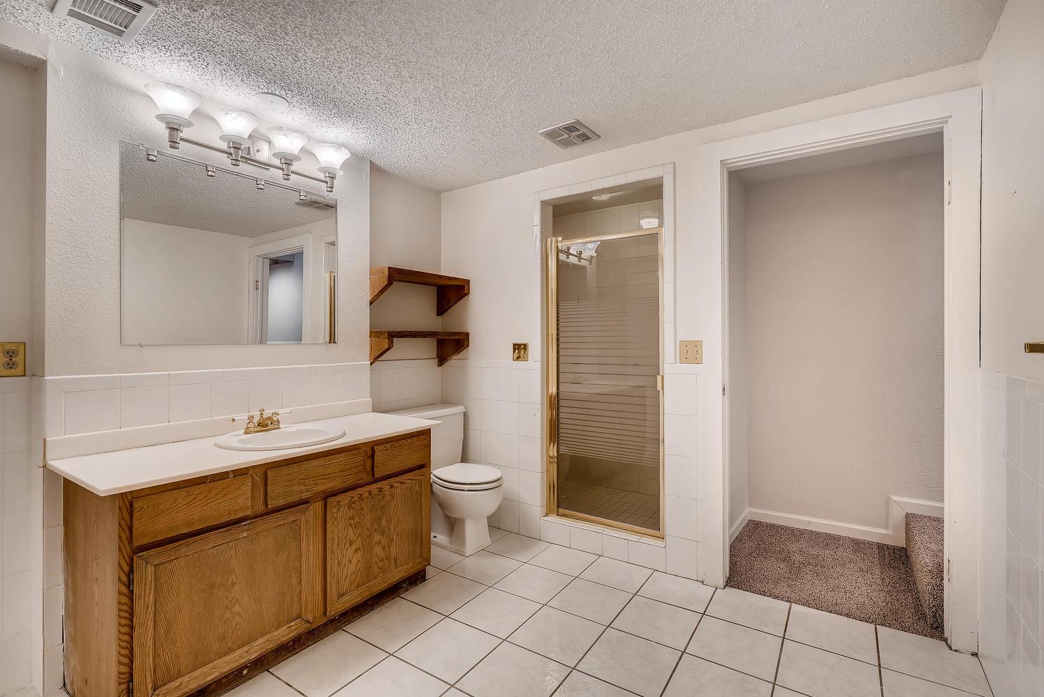 5439 S Morning Glory Lane-large-022-11-Lower Level Bathroom-1500x1000-72dpi.jpg
