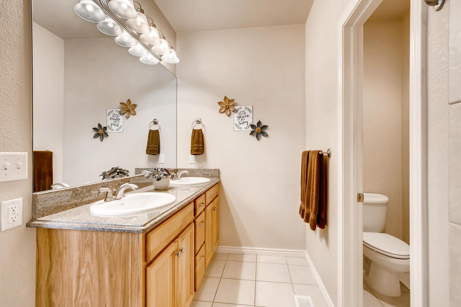 8690 W 49th Cir Arvada CO-large-013-5-Master Bathroom-1500x1000-72dpi.jpg