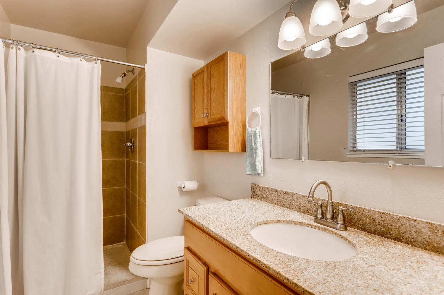16971 E Bates Ave Aurora CO-large-014-26-2nd Floor Master Bathroom-1500x998-72dpi.jpg