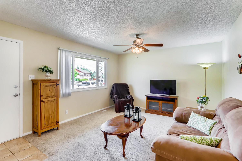 5501 Altura St Denver CO 80239-large-004-7-Living Room-1500x998-72dpi.jpg