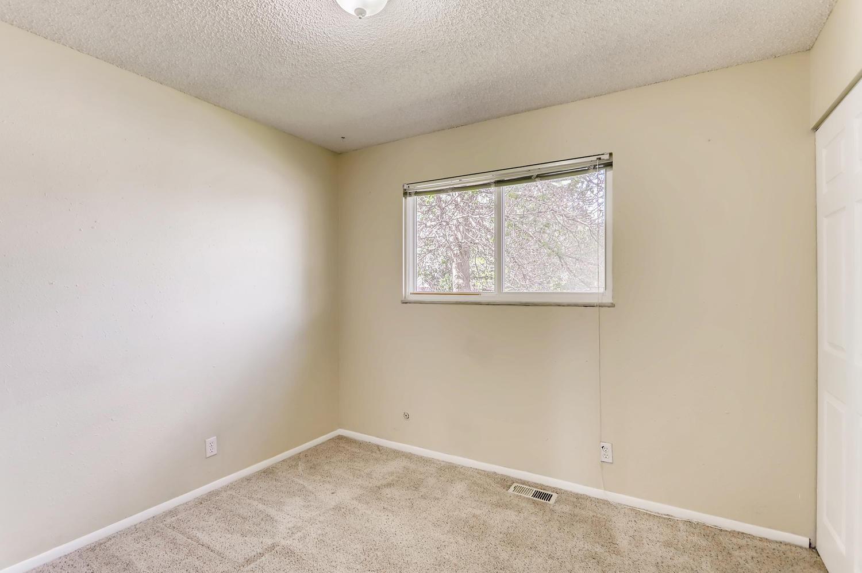 5501 Altura St Denver CO 80239-large-015-21-Bedroom-1500x998-72dpi.jpg