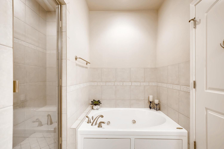 8690 W 49th Cir Arvada CO-large-015-029-Master Bathroom-1500x1000-72dpi.jpg