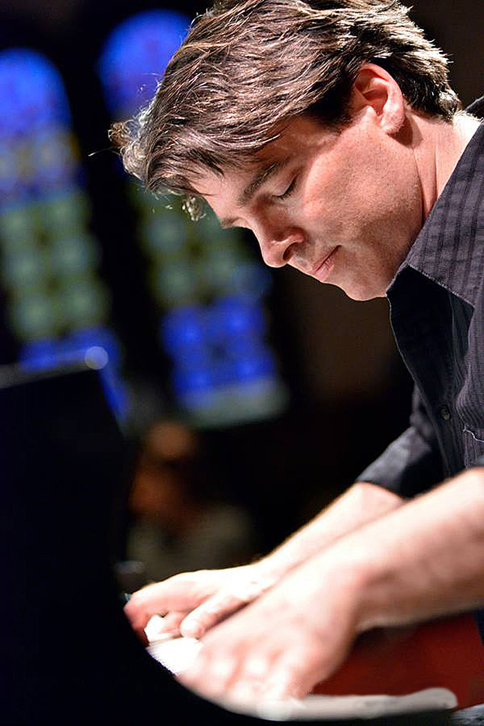 Daniel_Kelly_Piano_May_2015_72dpi.jpg