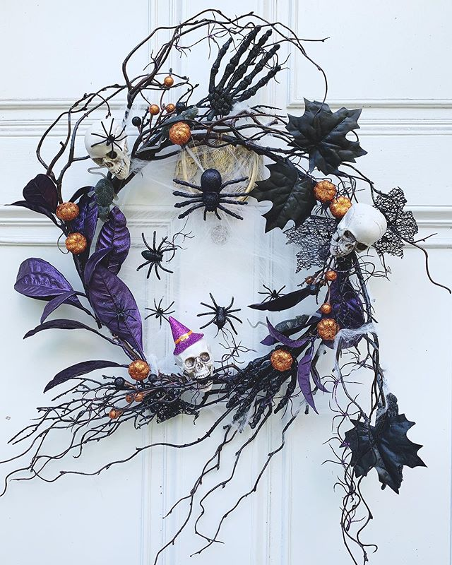 A little plastic, a little glitter, and a lot of spooky fun in this custom wreath for a sweet family! . . . #halloweenwreath #halloween #halloweendecor #glitter #spooky