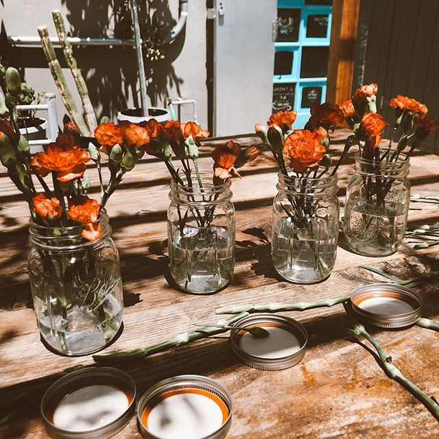 bringing a little beauty into the shop 🌺☕️🍶🌺