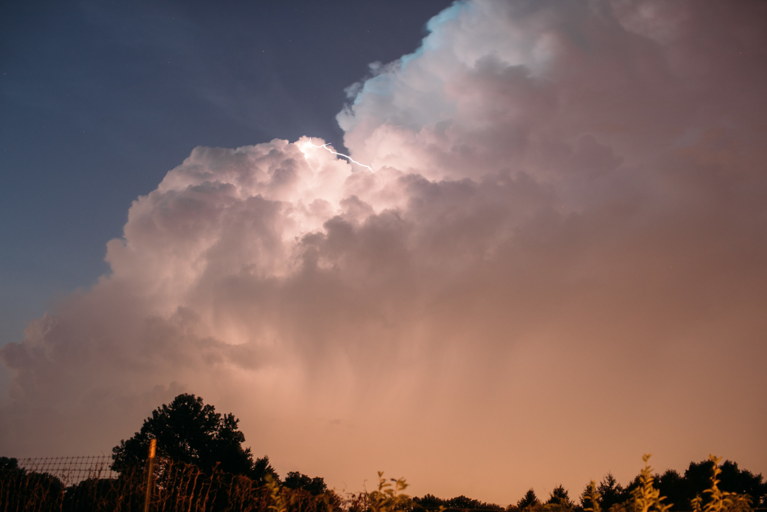 Kate captured some of the heat lightning that mesmerized us during dinner...Magic I tell you!!!