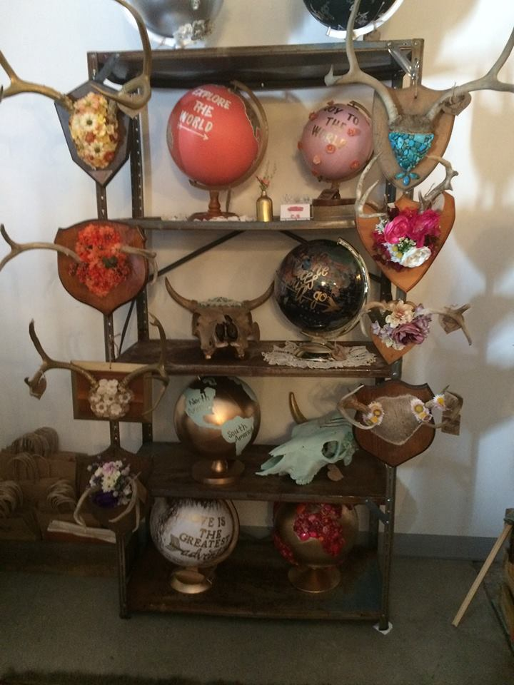 Savannah Ashley Art     This girl makes amazing unique pieces such as these floral antlers, and gorgeous decorated globes!!   You have to check out her dream catchers too!