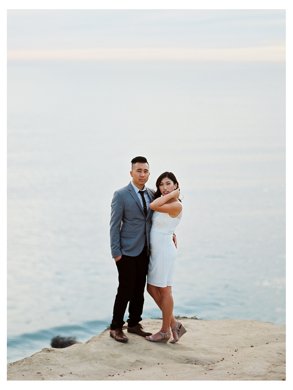 cliffs engagement session photos couple san diego