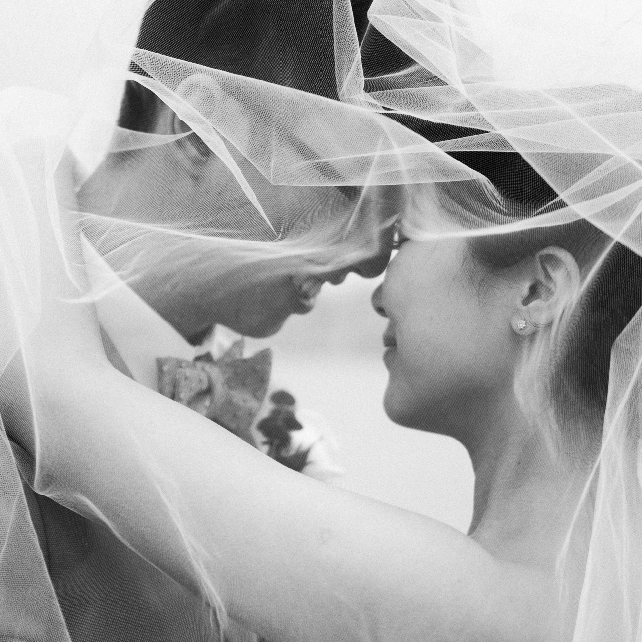 rainy san francisco bay wedding in black and white