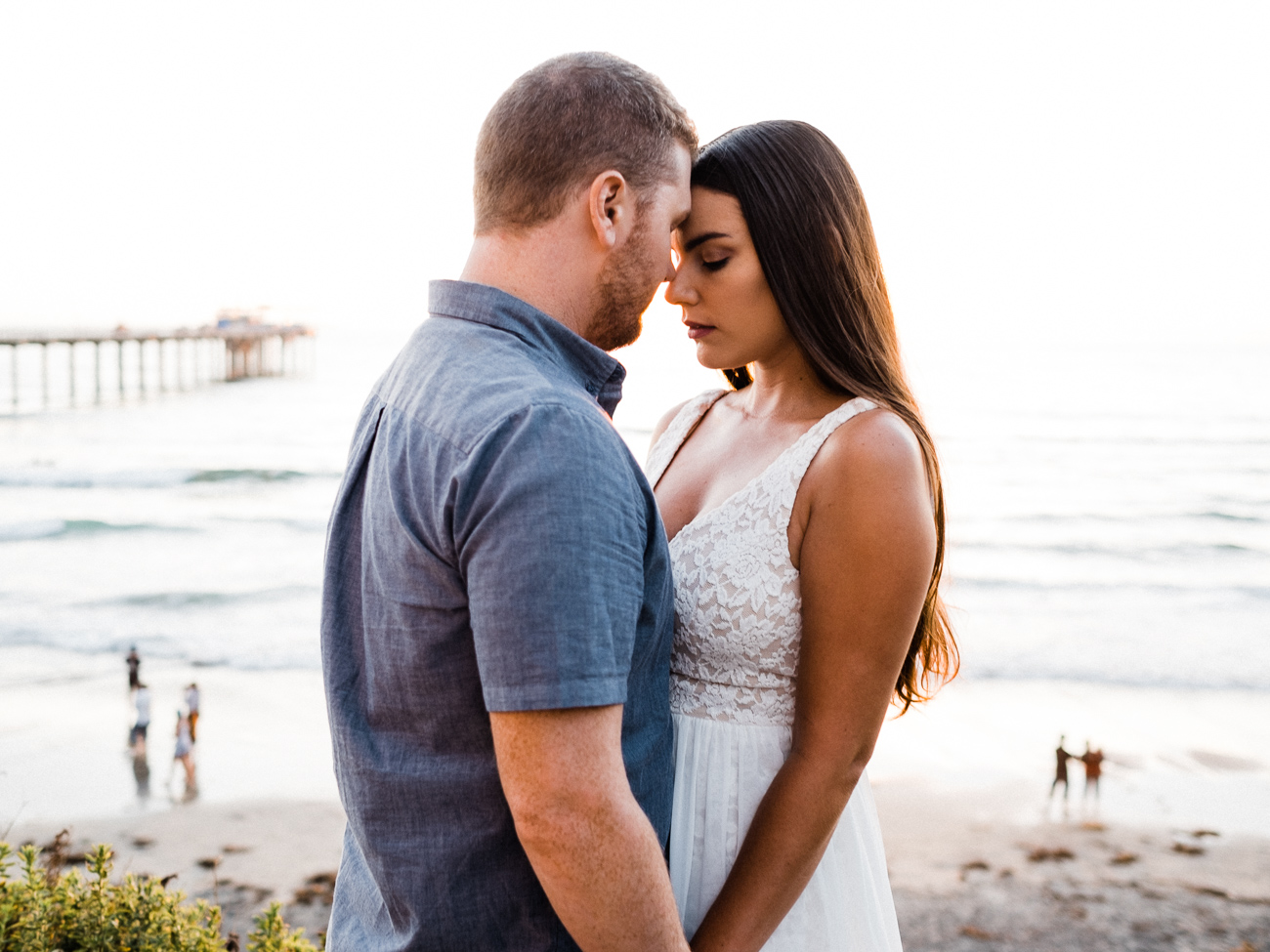 san diego la jolla beach engagement session scripps pier
