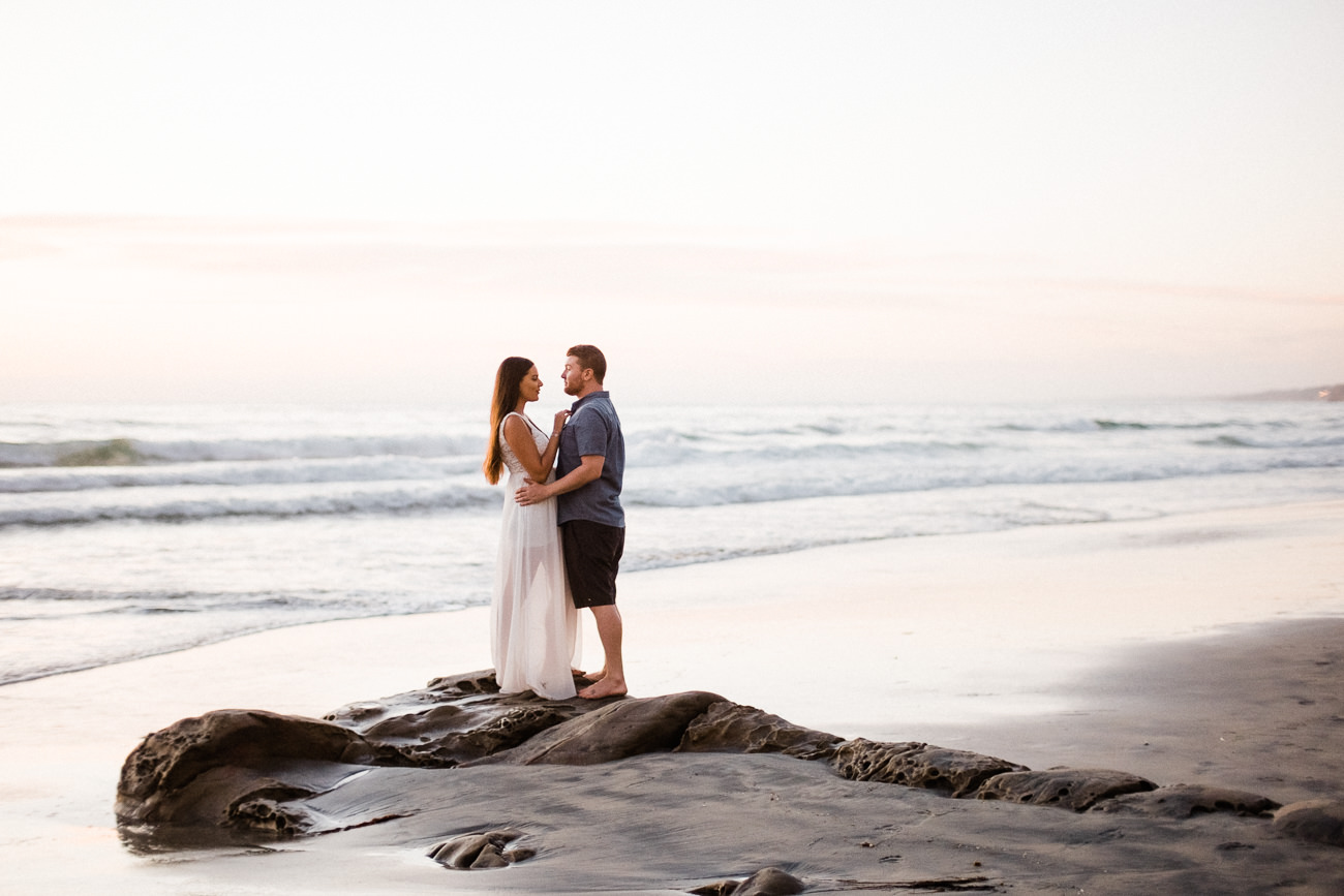 couple la jolla engagement shores scripps pier.jpg