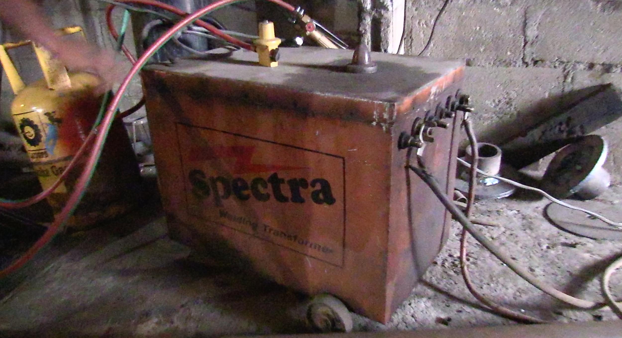 A Dilmah supplied welding machine
