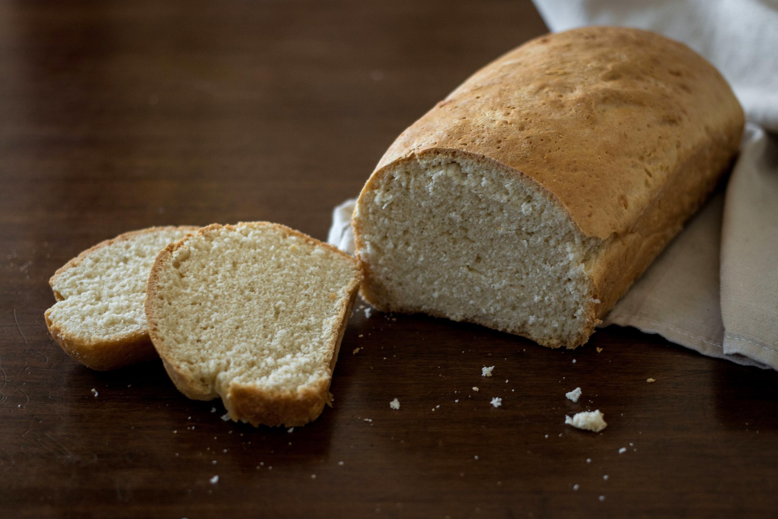Soft Homemade White Sandwhich Bread Recipe