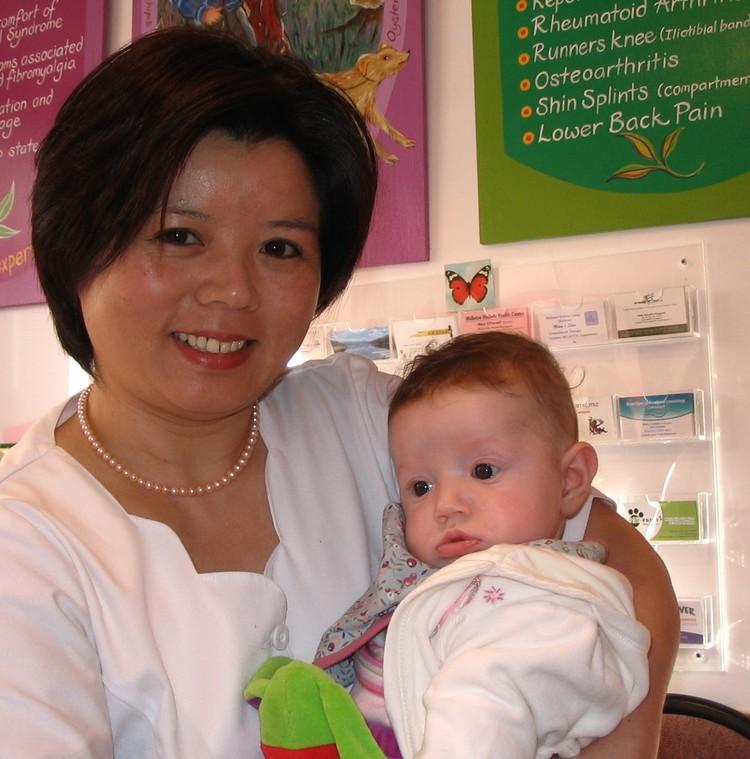 Qiong Di Wu, Acupuncturist